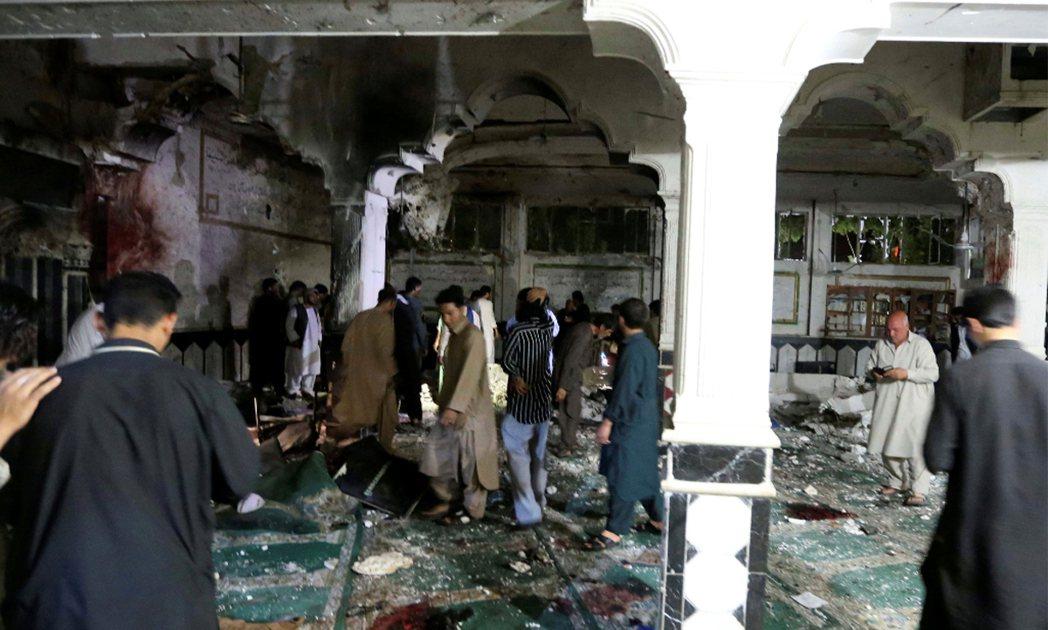 阿富汗西部主要城巿赫拉特一座清真寺驚傳遭自殺炸彈攻擊。 路透社
