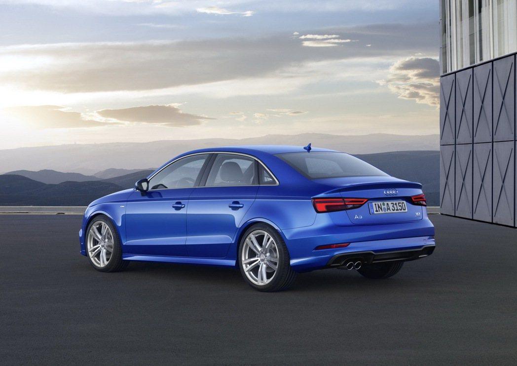 全新Audi A3車系車尾換上採用水平設計的嶄新立體尾燈組。 圖/台灣奧迪提供
