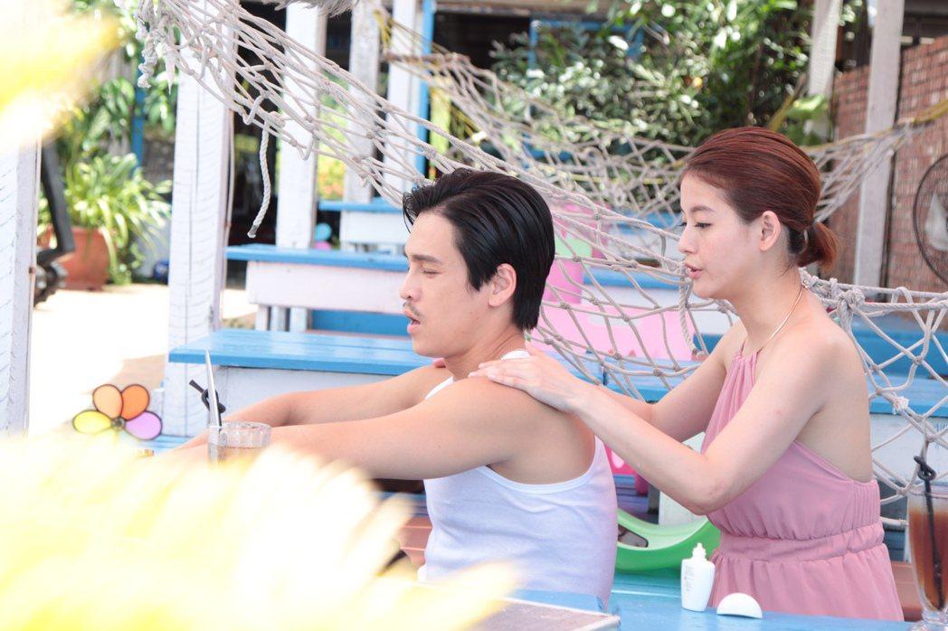 GINO(左) 和王樂妍戲中感情很好。圖/民視提供