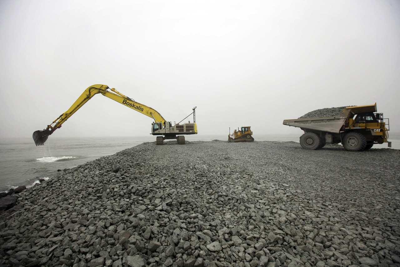 """我国政府严格控管,以确定合约签署方提供给新加坡的砂石,符合所有来源国的规范。""""..."""