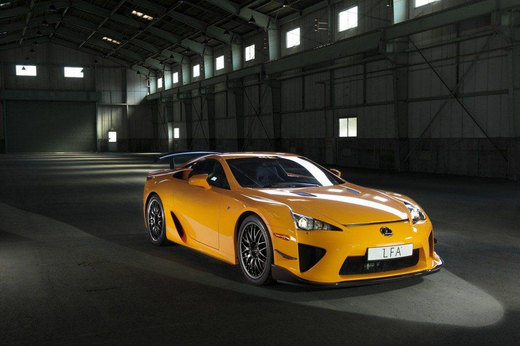 想不到在停產五年後,北美 Lexus 經銷商竟然還有 12 部庫存新車。 摘自 Lexus