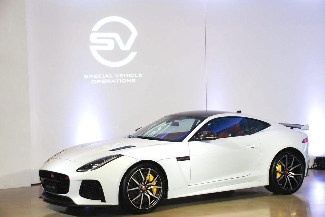Jaguar F-Type SVR。記者林昱丞/攝影