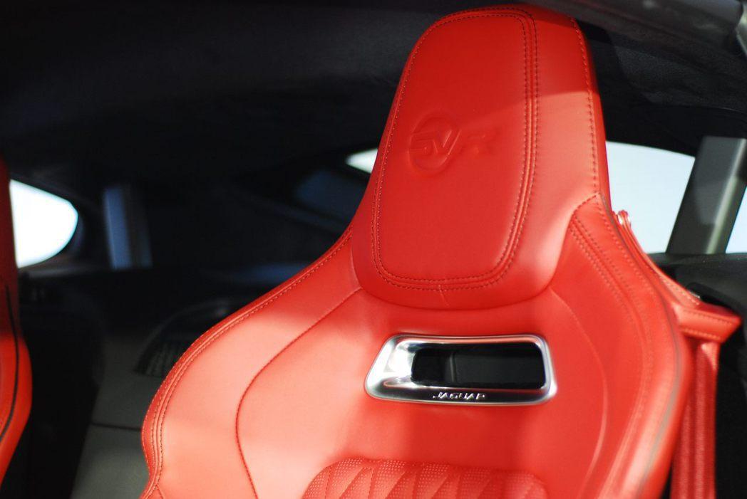 Jaguar F-Type SVR賽車座椅。記者林昱丞/攝影