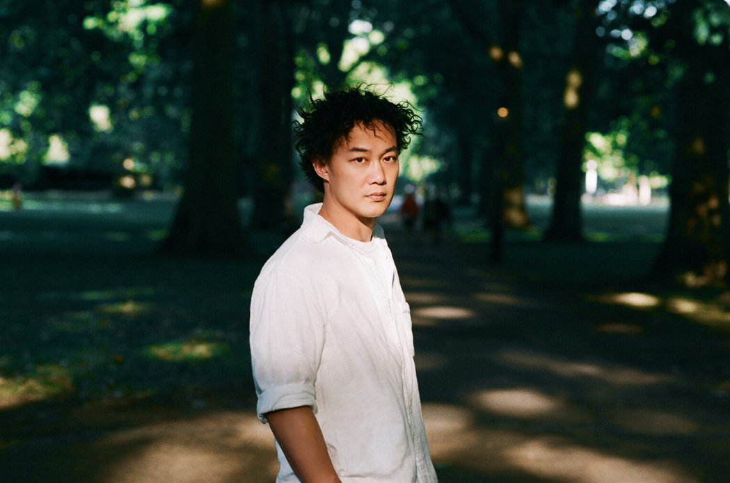 陳奕迅新歌「海膽」、「誰來剪月光」4日數位上架。圖/環球唱片提供