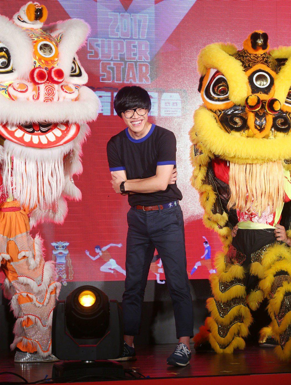 歌手盧廣仲下午出席Super star體育表演會宣傳記者會替活動造勢,他透露9月...