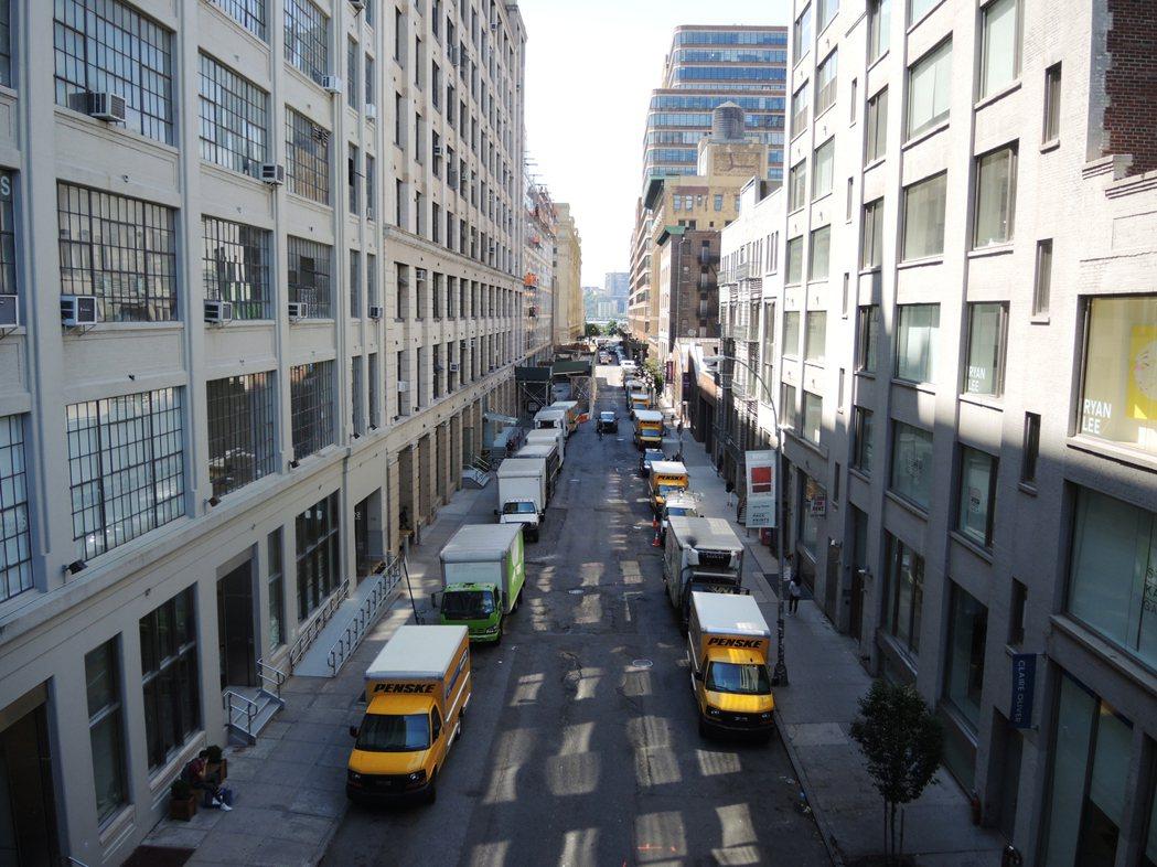 高線公園社區改頭換面,從工業園區蛻變為豪華住宅區。記者俞姝含/攝影