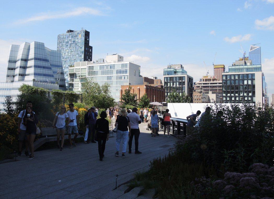 高線公寓為社會名流、藝術家及商業大亨趨之若鶩。記者俞姝含/攝影