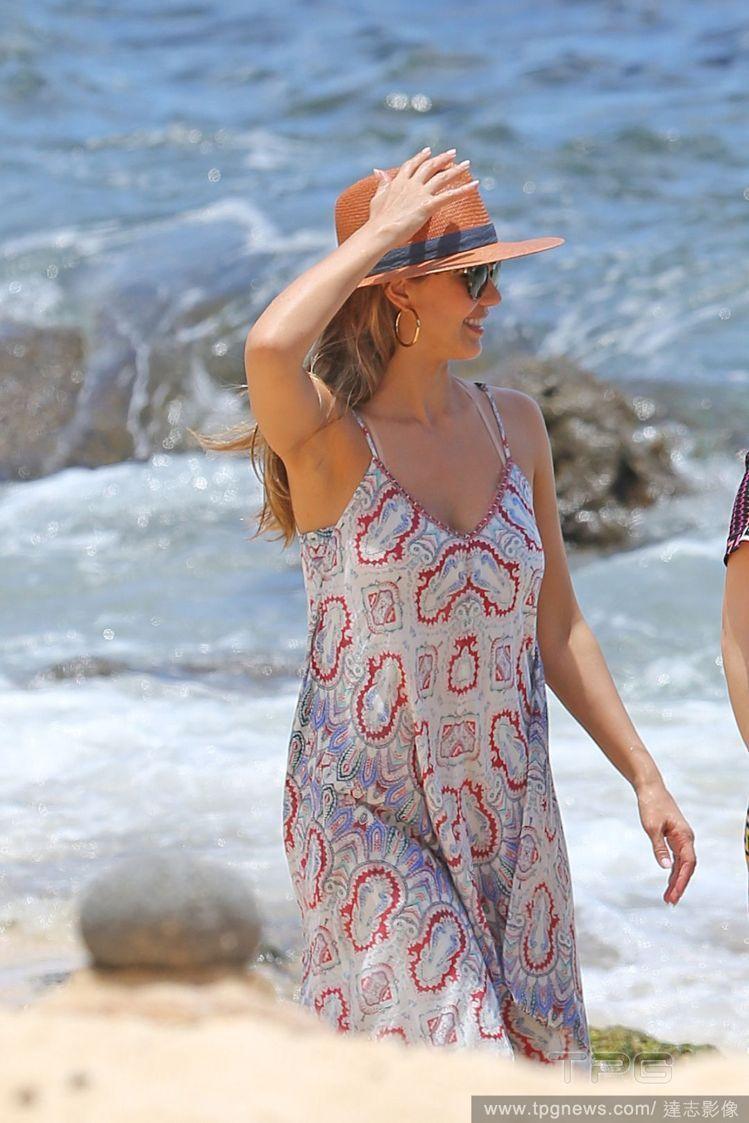 潔西卡艾芭私底下很愛波西米亞風革的衣服。圖/達志影像