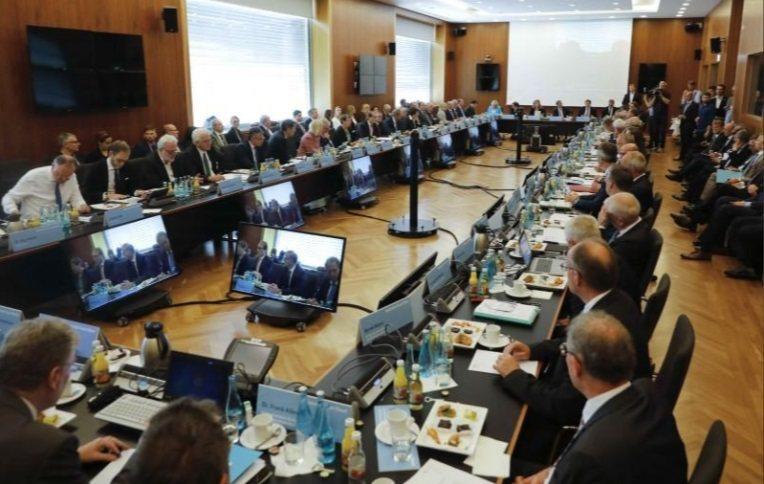 德國柴油車高峰會在德國時間8月2日於柏林舉行。 摘自Reuters