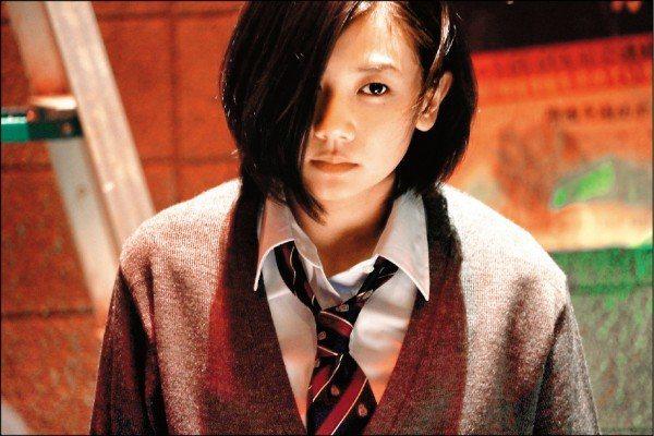 清水富美加在最後一部片「東京喰種」剪掉長髮演吃人怪物。圖/采昌多媒體提供