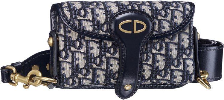 Oblique復古花紋帆布小牛皮滾邊小型側背包,售價51,000元。圖/Dior...