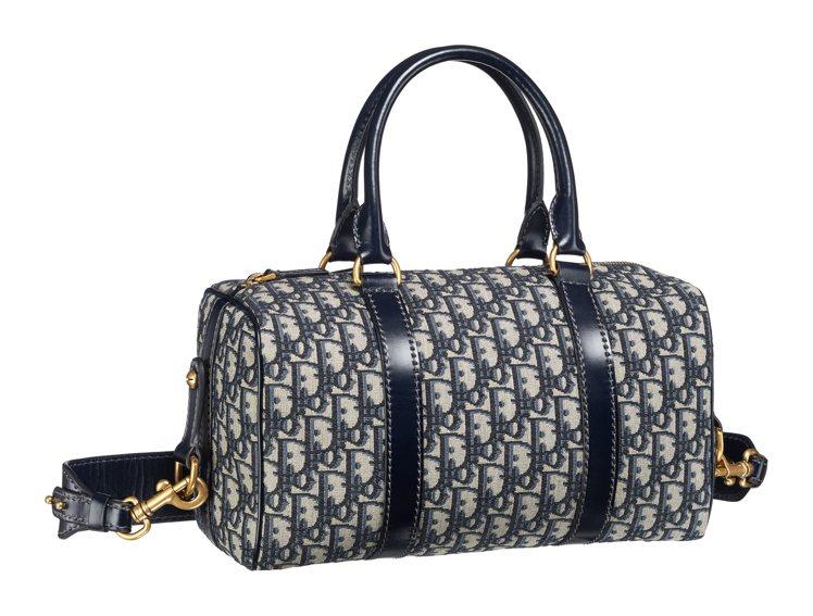 Oblique復古花紋帆布小牛皮滾邊中型球袋,售價97,000元。圖/Dior提...
