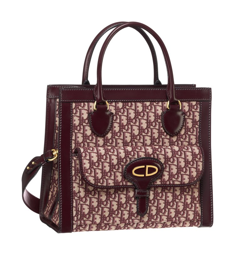 Oblique勃根地紅帆布小牛皮滾邊中型托特包,93,000元。圖/Dior提供