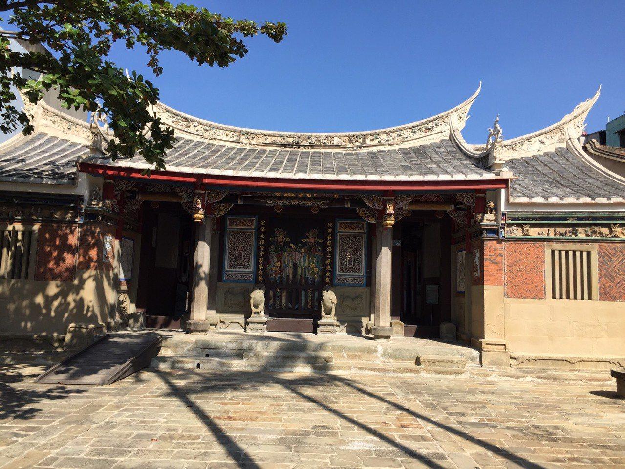 陳氏宗祠是縣定古蹟,為台灣僅存的五所磚雕建築之一。記者郭政芬/攝影