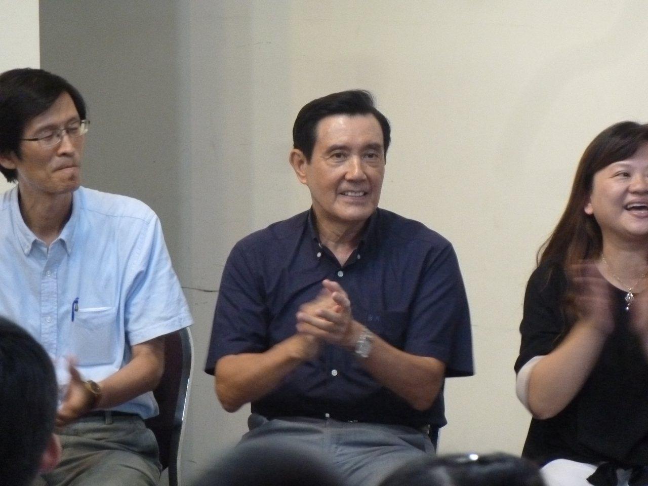 前總統馬英九今出席所屬新台灣人基金會「文字的故事」暑期營畢業式時,暢談繁體字與簡...