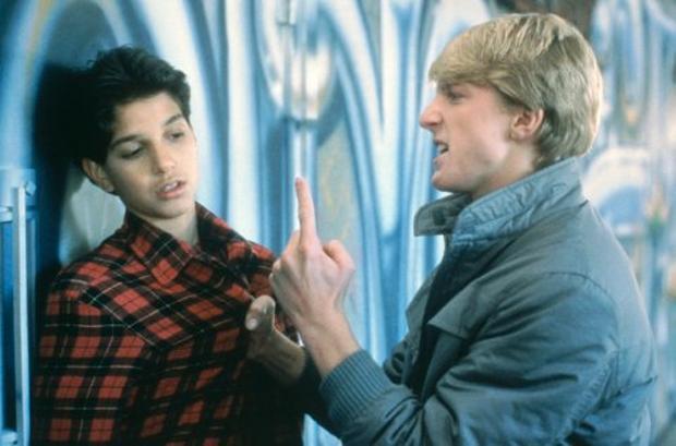 雷夫馬奇歐與威廉薩巴卡在「小子難纏」飾演死對頭。圖/摘自imdb