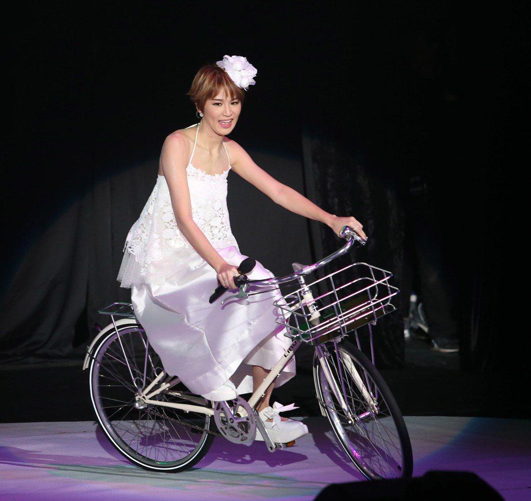 曾沛慈舉辦「我愛你」演唱會。記者陳瑞源/攝影