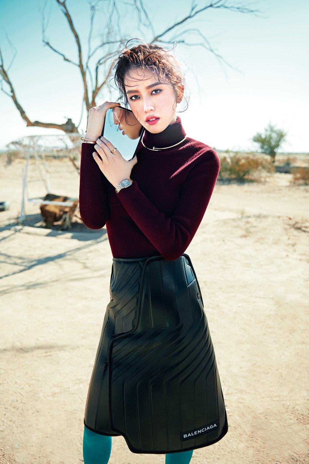 陳庭妮到南加州沙漠取景,高溫熱浪下穿著冬裝,仍不顯疲態。圖/《ELLE》國際中文...