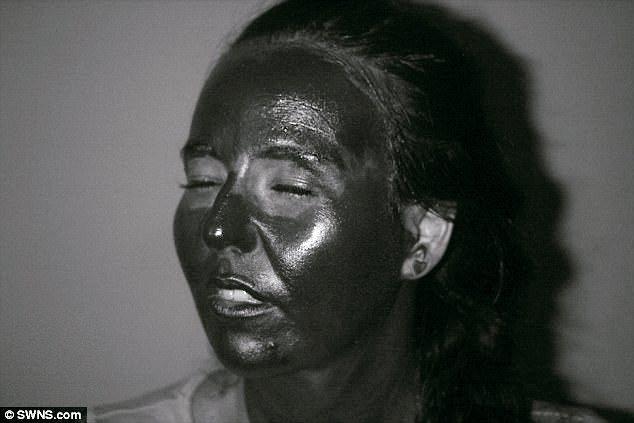 研究中,受試者在臉上塗抹防曬乳,幾乎都避開眼睛周圍,而眼皮是皮膚癌容易發生的部位...