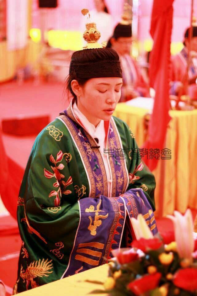 陳鳳具有道士專業資格。圖/陳鳳提供