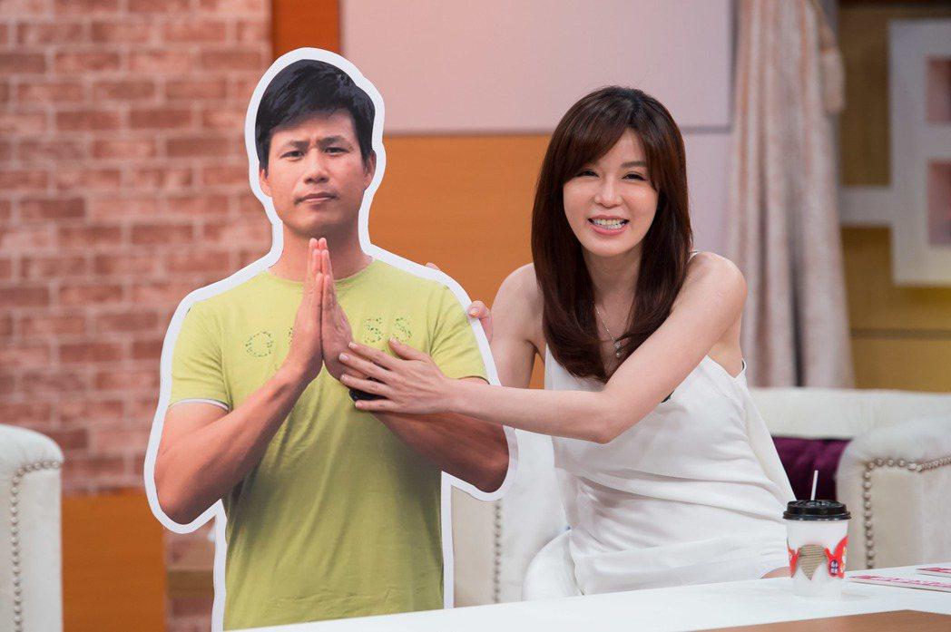 Ivy錄TVBS「小燕有約」。圖/TVBS提供