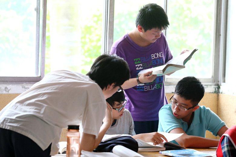 「不重視實作」、「培育的人才不好用」,這些是台灣社會對技職教育最大的不滿。 圖/...