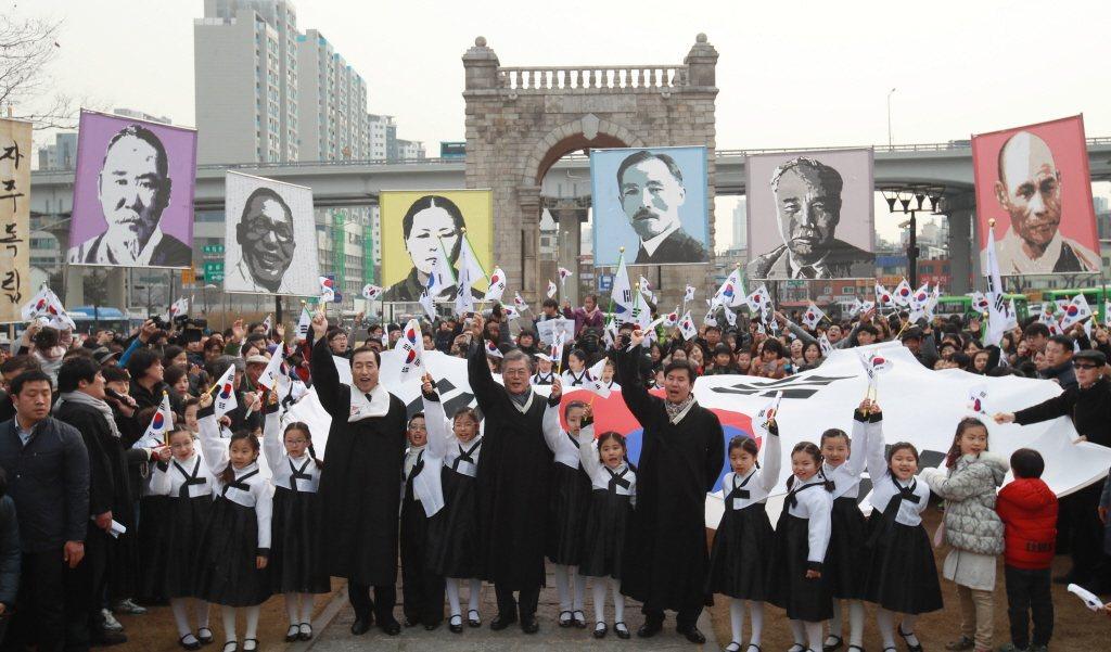 新任總統文在寅出席2017年獨立門前的三一獨立運動紀念日。 圖/歐新社
