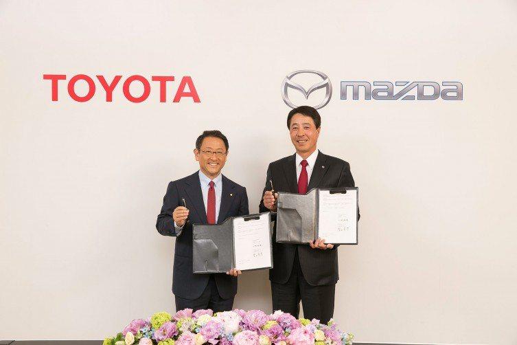 日本兩大車商,Toyota與Mazda攜手合作,在美國共同設廠製造。 摘自Toyota Blog