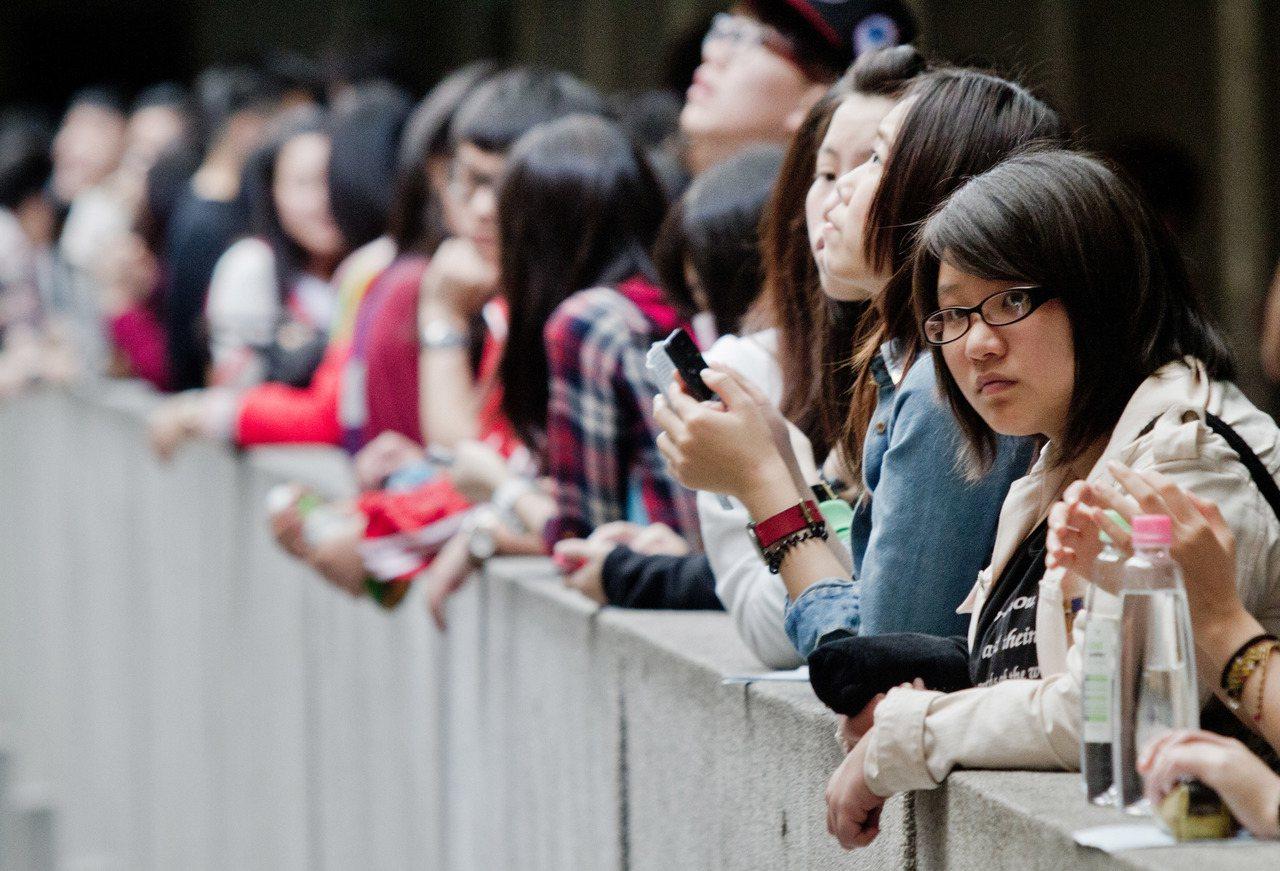 四技二專統測考生在考試前若有所思,沉澱心情應試。聯合報系資料照/記者黃士航攝影