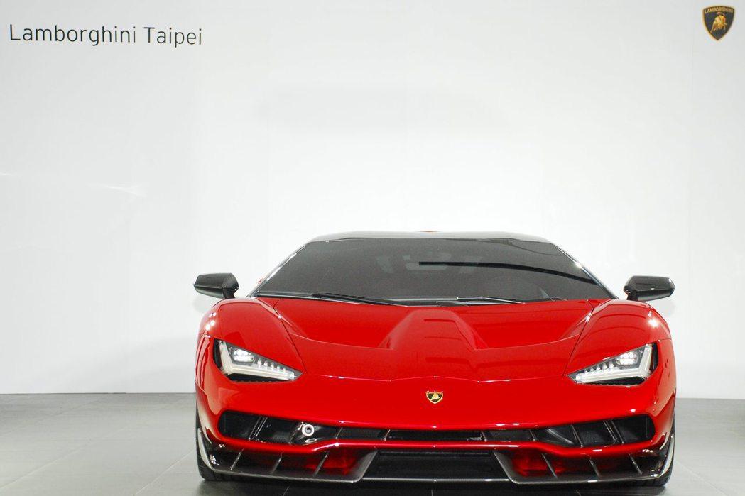 Lamborghini Centenario LP 770-4。記者林昱丞/攝影