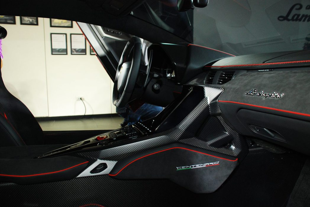 Lamborghini Centenario LP 770-4車室。記者林昱丞/攝影