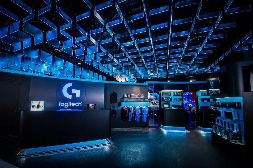 玩家可在專賣店內體驗Logitech G最新產品,感受羅技獨家Romer-G軸的...