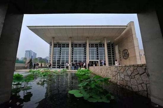 美國駐北京大使館新館內部造景。 圖/取自微信公眾號政知見