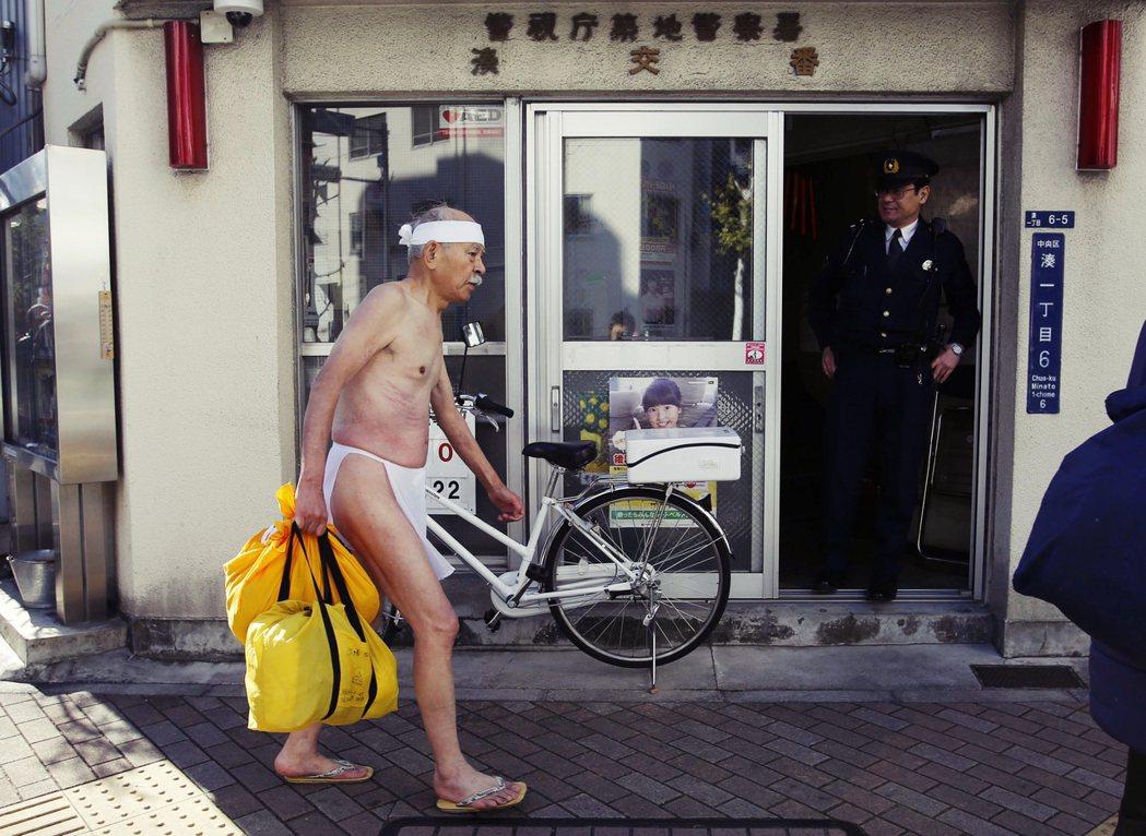 邁入「超高齡化社會」的日本,也面臨勞力不足、本土市場萎縮等壓力,硬著頭皮敞開國際...