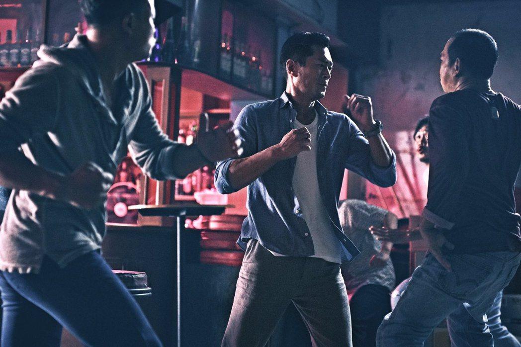 新片「殺破狼‧貪狼」中,赤手空拳前往泰國尋找人間蒸發的16歲女兒,號稱是古天樂從...