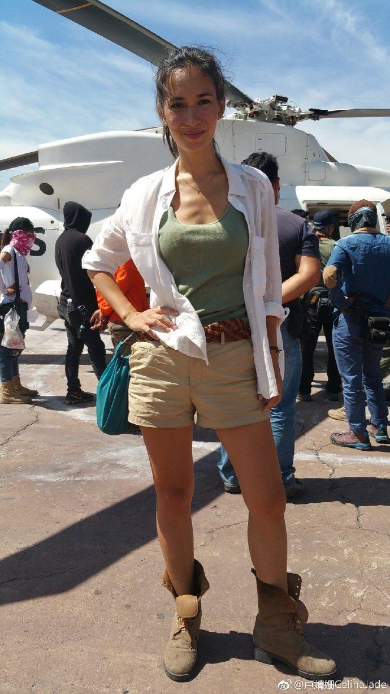 混血女星盧靖姍臨危受命接演「戰狼2」。圖取自微博