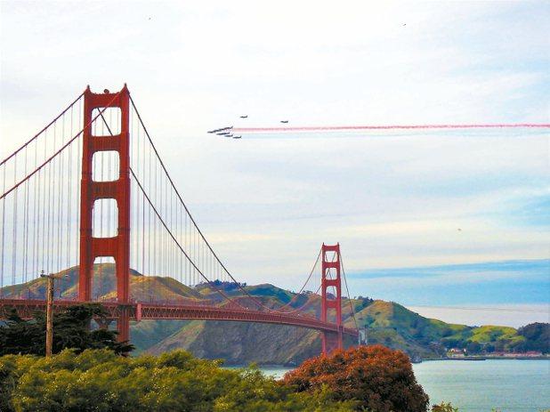 一年一度的美國海軍艦隊周航空表演,是許多航空迷心中的夢幻盛事。 圖/聯合報有行旅...