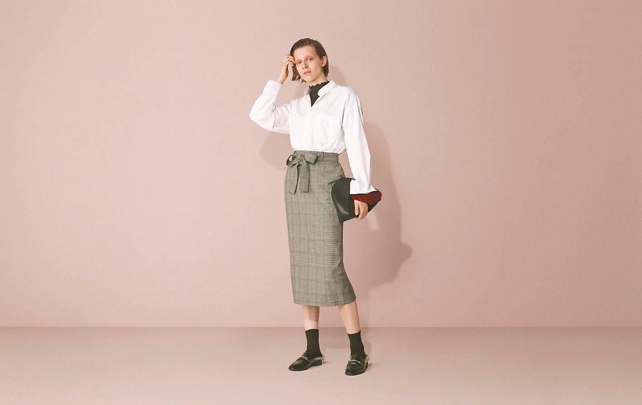 GU秋冬每月時尚主題「GENTLE WOMAN女紳時尚」。