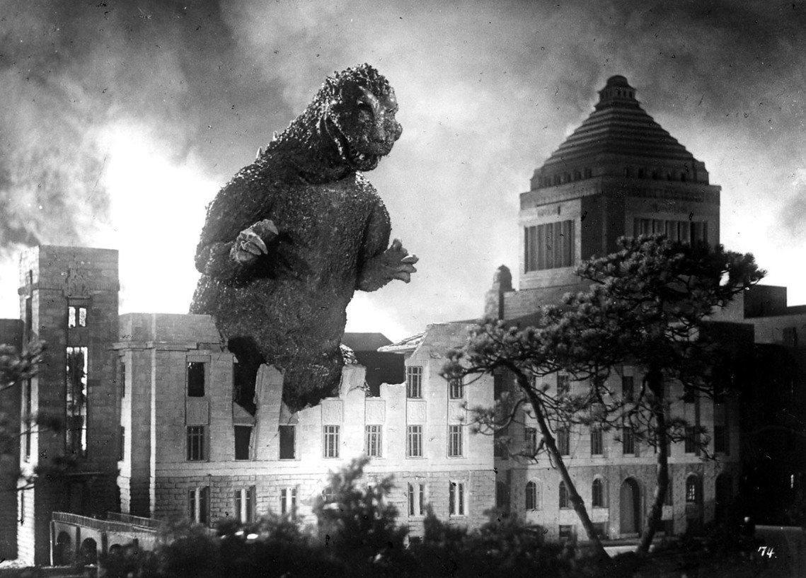 著名日本特攝怪獸電影《哥吉拉》的元祖皮套演員中島春雄,於8月7日因肺炎病逝,享壽...