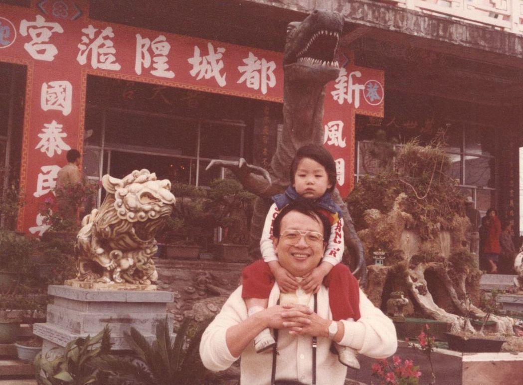 「蔣家第四代」蔣萬安與父親蔣孝嚴從小就因蔣家身分備受矚目。報系資料照