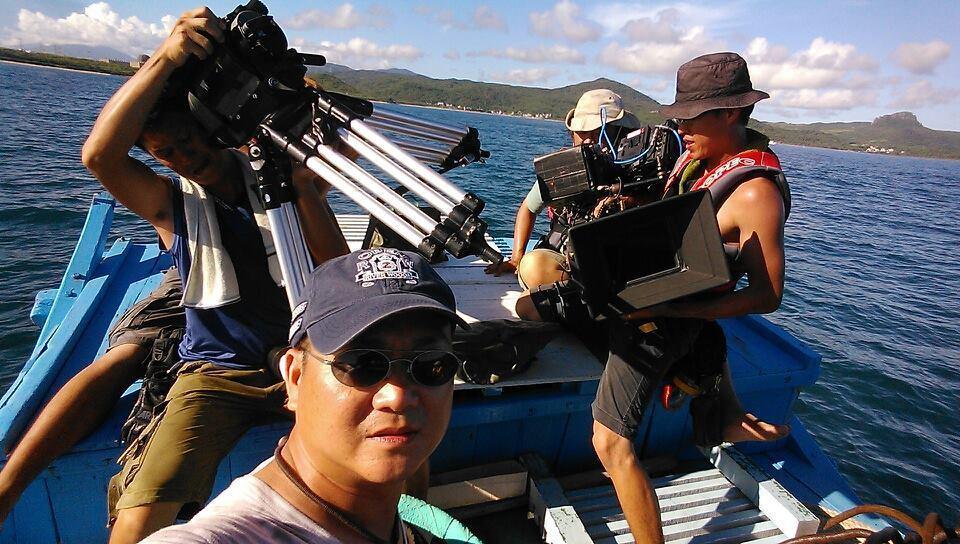 黃朝亮上山下海拍攝電影作品。圖/黃朝亮臉書