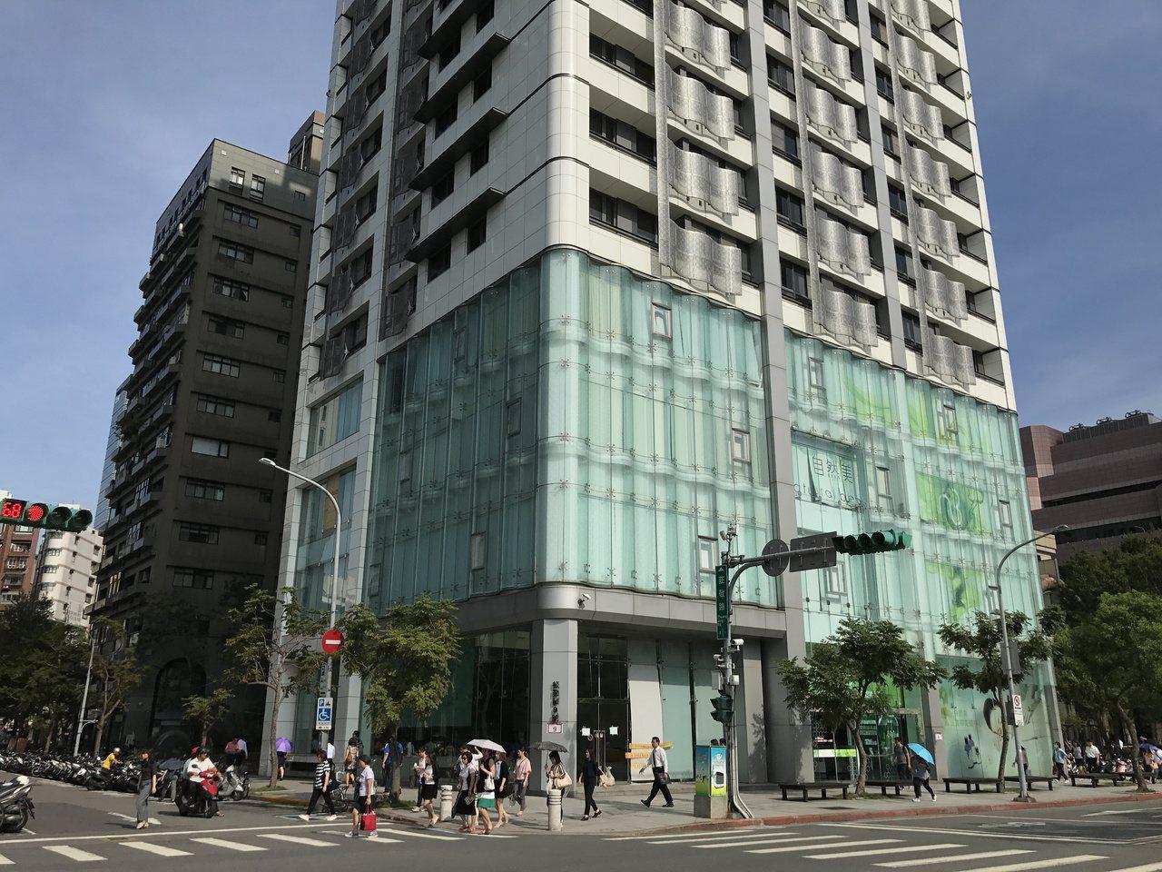信義區小豪宅「新世界」今年最高成交一坪133萬元。記者游智文╱攝影