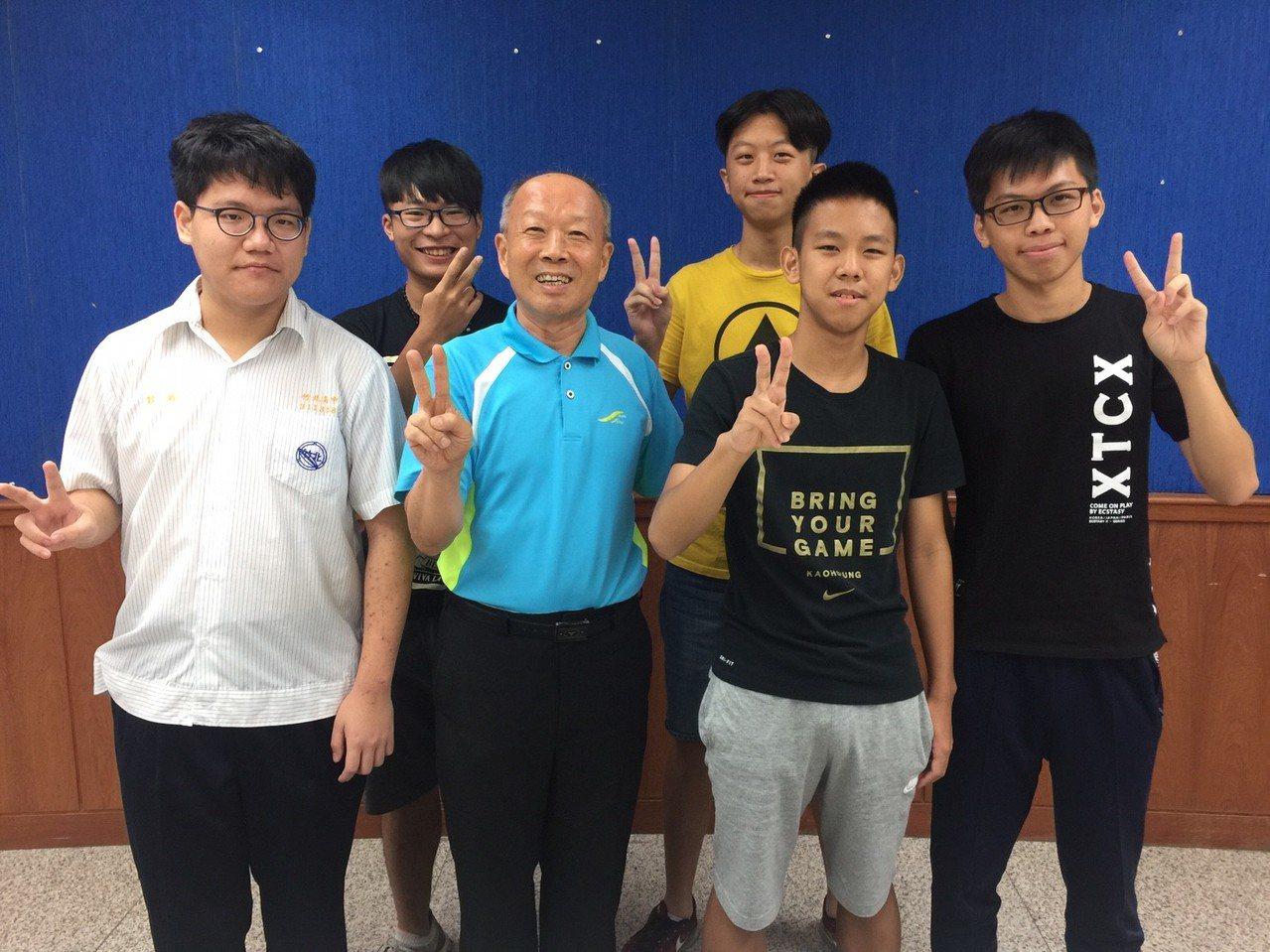 指考放榜,竹北高中開出漂亮榜單。記者郭宣彣/攝影