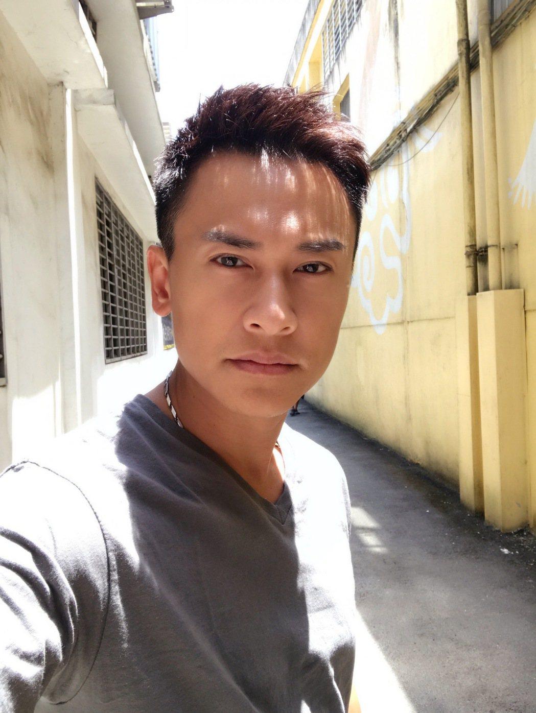 王建復演出「幸福來了」換髮型,粉絲讚「台版古天樂」。圖/民視提供