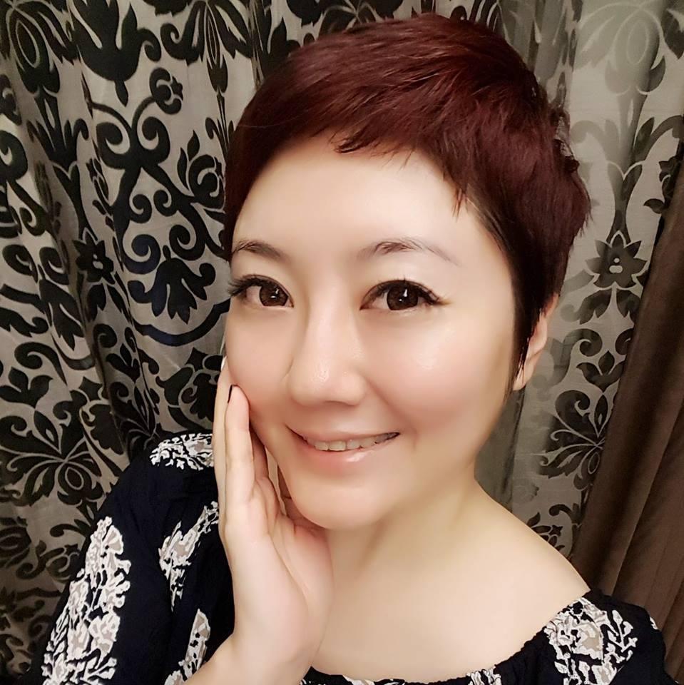 劉曉憶出入牛郎店惹紛爭。圖/摘自臉書