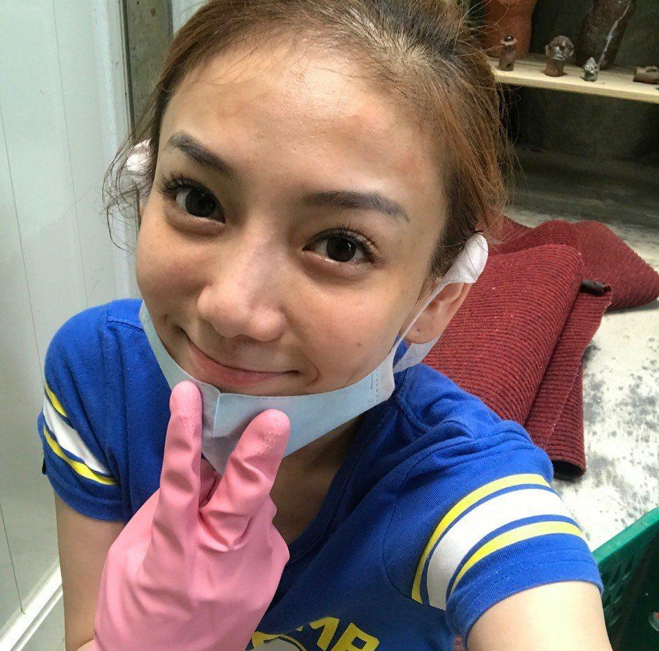 劉喬安正在教養院服勞役。圖/摘自IG