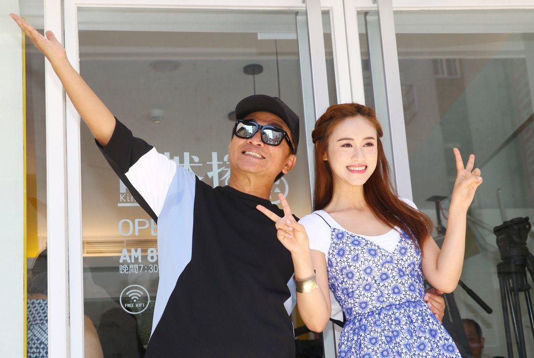 跨足餐飲,吳宗憲(左)、吳姍儒(右)第二家店昨天在台北市大安路開幕。記者曾學仁/...