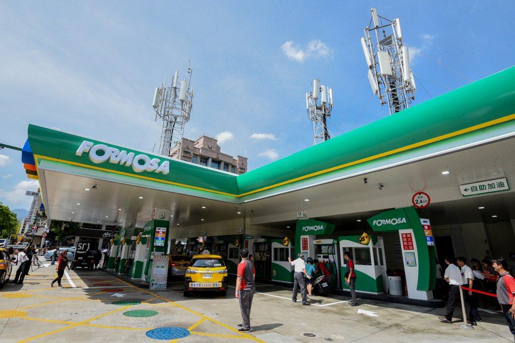 台塑石油西歐士林加油站新站體全新亮相。業者/提供