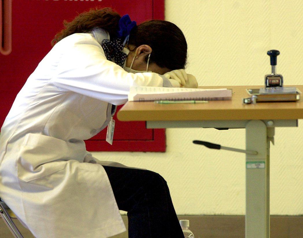 法國科學團隊指出,人們闔眼睡覺時,大腦只在特定階段可學習。聯合報系資料照