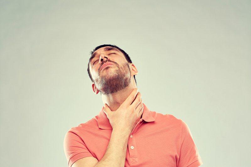 男子頸部、鼠蹊部腫塊腫大 淋巴癌上身